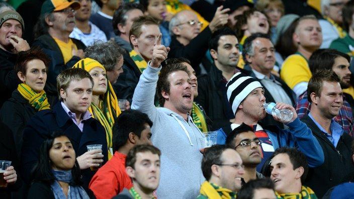 Multikulturni gledalci nogometne tekme v Avstraliji