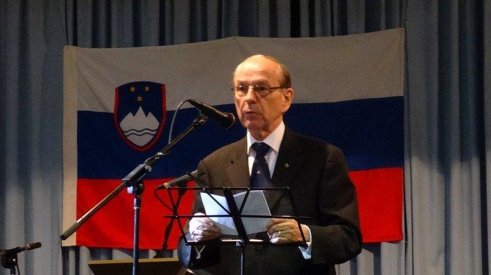 Alfred Breznik pri Slovenskem drustvu Sydney v letu 2014