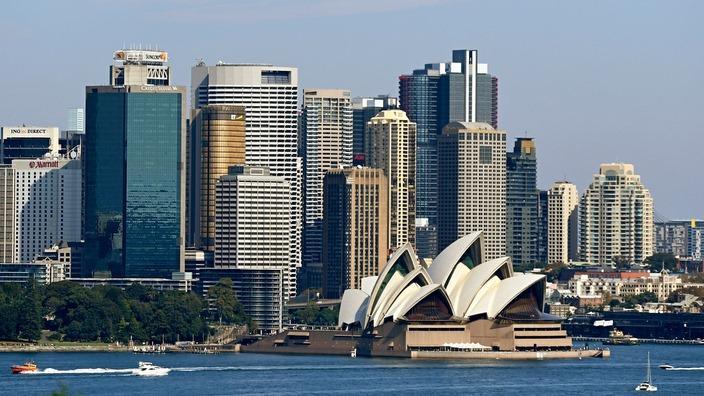 Sydney Opera House na kituo cha kati ya biashara cha Sydney, Australia