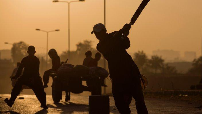 Cricket on streets of Islamabad