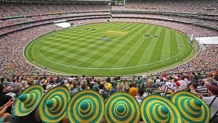 Fans pack the MCG for the Boxing Day Ashes cricket Test on December 26, 2013 (Getty Images)