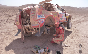 The Coconut Resort team employed their bush mechanic skills to continue on in the Dakar (Image: Jacob Black)